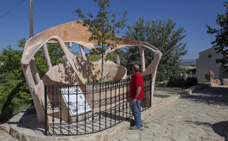 Olmeda de la Cuesta, el pueblo con más esculturas que vecinos