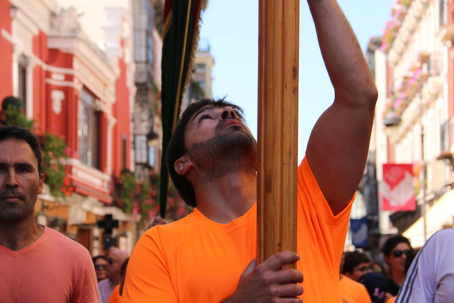 285 pendones tiñen el cielo de León en los festejos de San Froilán