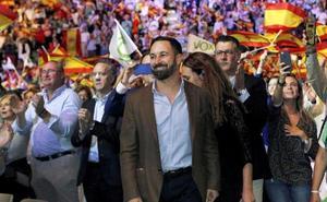 El senador leonés Luis Aznar ve un «tufillo xenófobo importante» en los postulados de Vox