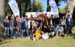 Silván anima a los jóvenes empresarios a «seguir creyendo» en León