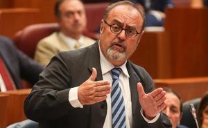 Fernando Rey desea ampliar el transporte rural gratuito a estudiantes en el próximo presupuesto