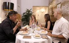 Sofía Cristo se olvida del nombre de sus compañeros de mesa en 'Ven a cenar conmigo'
