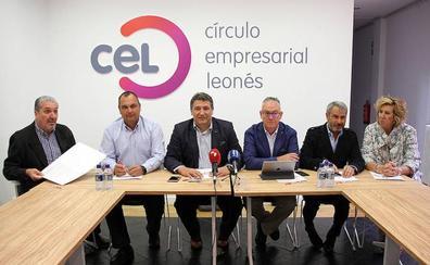 EL CEL premia el compromiso con León de Manuel Rilo Dopico, gerente de E-Leclerc