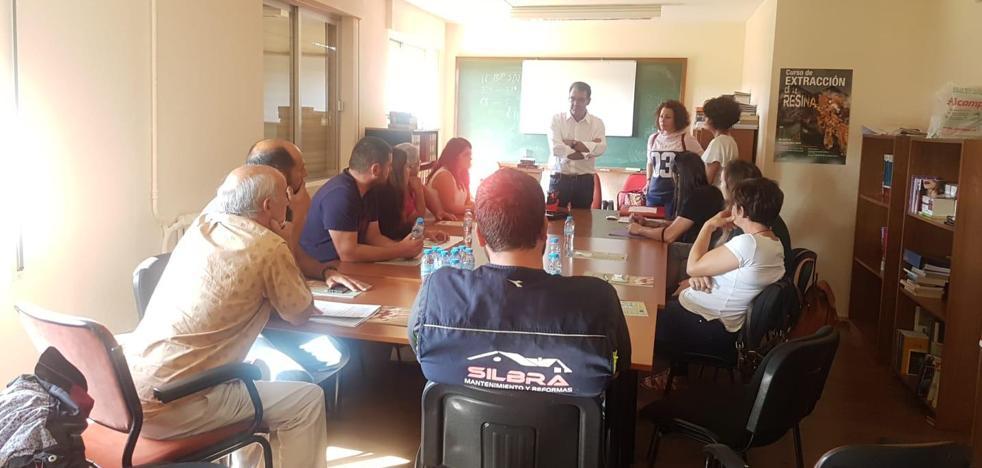 La Diputación colaborará con los profesionales resineros del área rural de la provincia