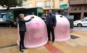 Seis iglús rosas recogen hasta el día 31 envases de vidrio para concienciar sobre el cáncer de mama
