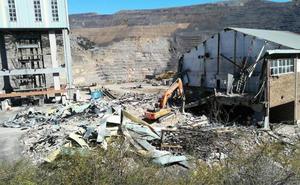Radial 21 abandona la Hullera Vasco Leonesa y despide a sus 32 trabajadores, que levantan el encierro de Tabliza