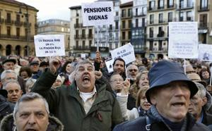 Las claves económicas del acuerdo: salario mínimo de 900 euros y nuevos impuestos