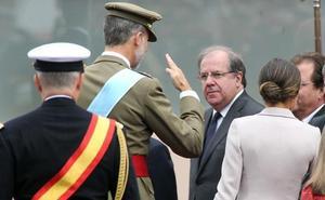 Herrera y Clemente representan a Castilla y León en el Homenaje a la Bandera Nacional y al Desfile Militar en Madrid