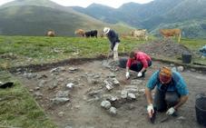 Alertan de la presencia de expoliadores en el yacimiento romano de la Vía Carisa tras finalizar la excavación en León