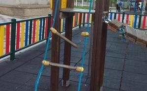 Las concejalas no adscritas de Villaquilambre denuncian el «mal estado» de los parques del municipio