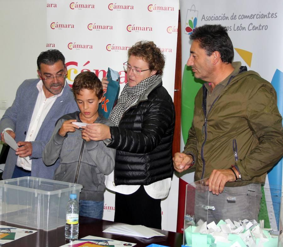 La Cámara de Comercio reparte los premios de la promoción 'Compra y come'