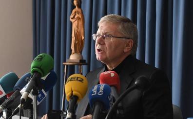 Las víctimas ven un «chiste y una burla» que el obispo de Astorga que ocultó los abusos presida la comisión antipederastia de la Iglesia