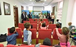 Aleco conciencia sobre la importancia del reciclaje a los escolares de León