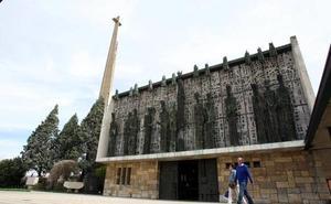 El Colegio Divina Pastora peregrina a La Virgen del Camino con el lema 'Sonríe a la Vida'
