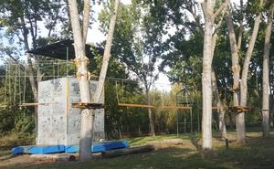 El Coto Escolar aumenta su oferta con la apertura de un parque de cuerdas