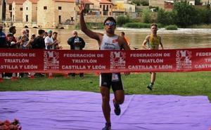 Kevin Viñuela, a por el cetro europeo de Triatlón Cross en Ibiza