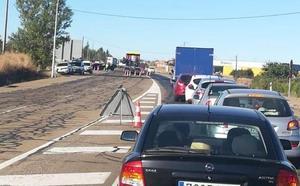 El Ayuntamiento de Valverde de la Virgen informa de cortes en la N-120 entre la Virgen del Camino y San Miguel del Camino
