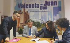 El Ayuntamiento de Valencia de Don Juan destina 1.800 euros para colaborar con el Grupo de Danzas Coyanza