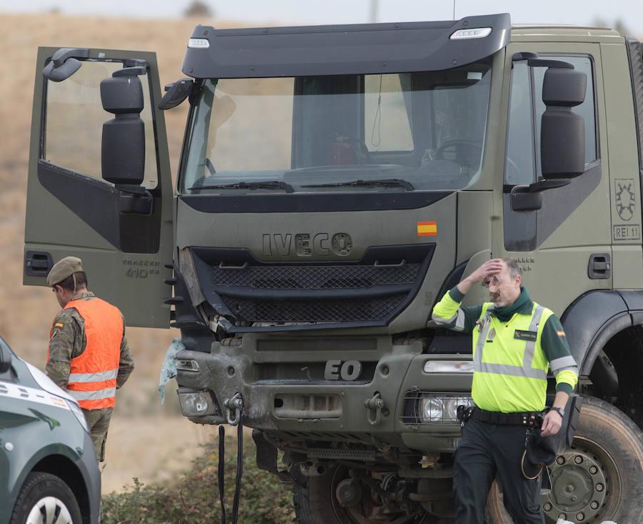 Fallece una niña en un accidente entre un vehículo militar y un turismo