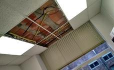 El Frente de Estudiantes denuncia goteras y derrumbamientos de techo en Filosofía