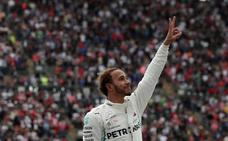 Hamilton ya come con Fangio y pide mesa con Schumacher
