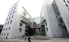 Condenan a tres rumanos a dos años de prisión por robar en un piso de León y en dos de Oviedo