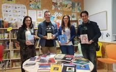 La editorial Lobo Sapiens y Javier Benéitez dona material de lectura a la Biblioteca de Santa María del Páramo