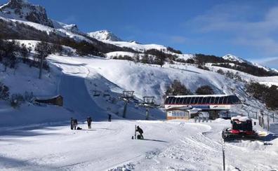 Asturias se lanza y prevé abrir Valgrande-Pajares este fin de semana para aprovechar la nevada