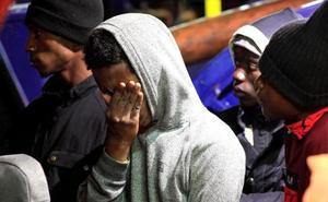 Se reanuda la búsqueda de inmigrantes tras el naufragio de una patera en Cádiz