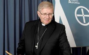 El obispo de Astorga pide «decisiones firmes y urgentes» para acabar con el «drama» de la inmigración irregular