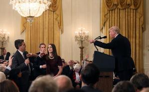 Trump expulsa a un periodista de CNN con un vídeo manipulado
