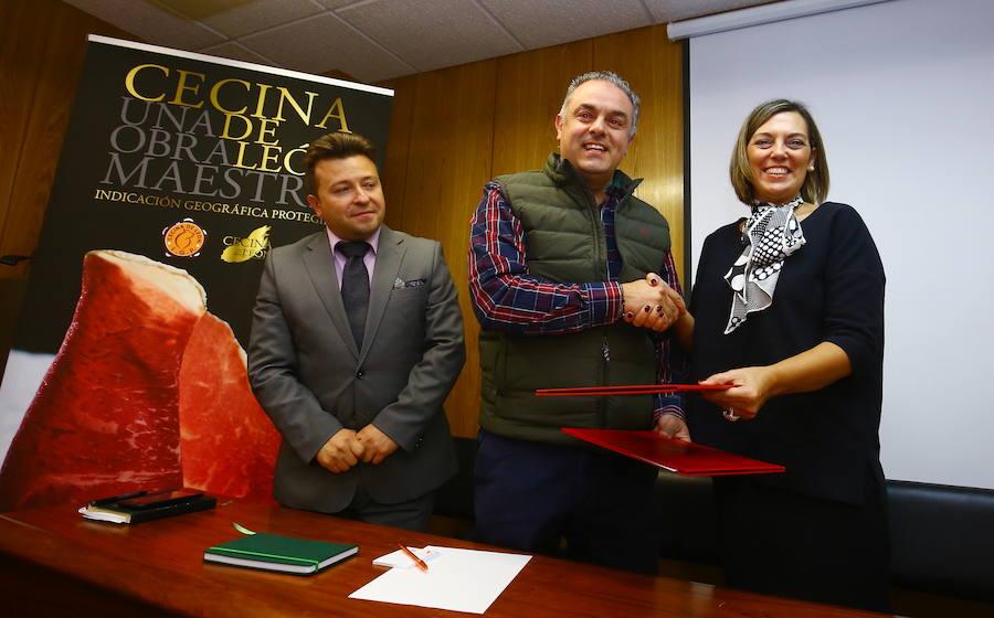 Convenio de colaboración entre la Consejería de Agricultura y la IGP Cecina de León