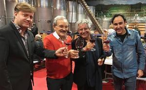 Redoble de batería y maceración en la fiesta del vino nuevo del Palacio de Canedo