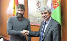 AJE y la ULE suscriben un convenio para impulsar proyectos de colaboración
