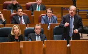 Herrera prepara un decreto para bajar las tasas universitarias el próximo curso