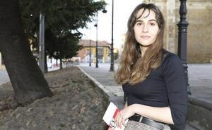 La leonesa Alba Flores gana el premio 'El Ojo Crítico' de RNE de Poesía