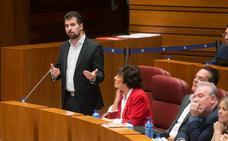 Herrera anuncia un decreto en 2019 para bajar las tasas universitarias pero Tudanca no se fia