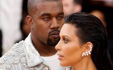 Kanye West huele a «dinero»