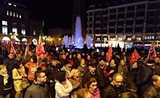 León pide en la calle empleo e industria: «No solo de bares se vive»