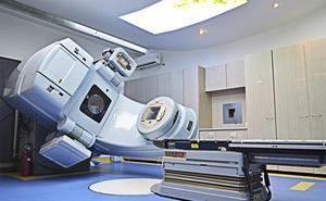 Sacyl adquirirá un nuevo acelerador lineal en León previo al servicio satélite de radioterapia en Ponferrada