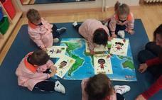 Los alumnos de Educación Infantil del Divina Pastora recuerdan sus derechos
