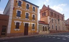 VOX denuncia el abandono del emblemático edificio Arnau