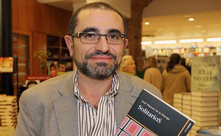 La trayectoria literaria de José Manuel de la Huerga, en imágenes