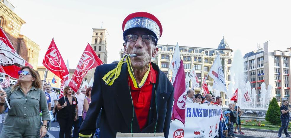 UPL exige al PSOE que «deje de mirar para otro lado» ante la falta de fecha de integración de Feve