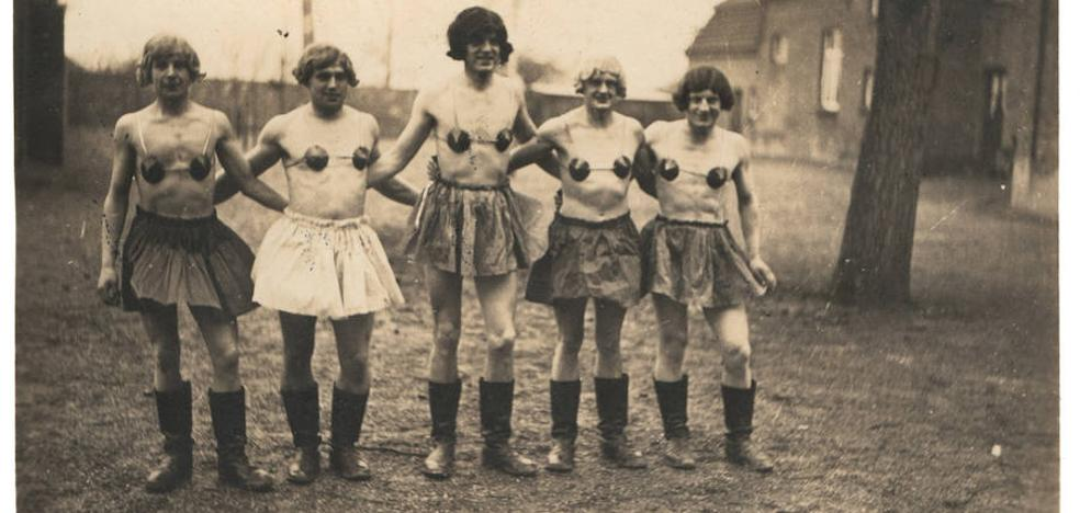 Los travestis de la esvástica
