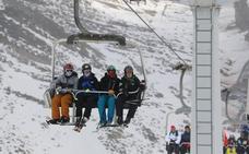 El sector turístico de nieve de León y Asturias impulsarán una marca para fomentar una oferta única
