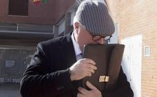 Proponen juzgar a Villarejo, su mujer y un periodista por revelación de secretos