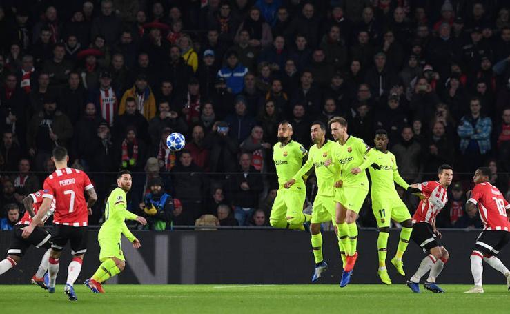 Las mejores imágenes del PSV-Barcelona