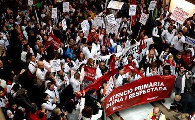 La sociedad civil se levanta contra Torra por la parálisis institucional que causa el 'procés'