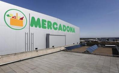 Mercadona firma un preacuerdo para subir un 15% los sueldos de su plantilla e instalar el sistema de fichaje